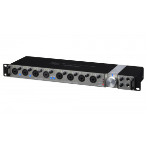 ZOOM UAC-8 audio interface
